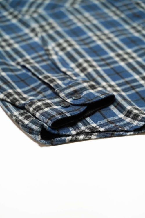 BLUE CHECK PATTERNS ACRYL SHIRT