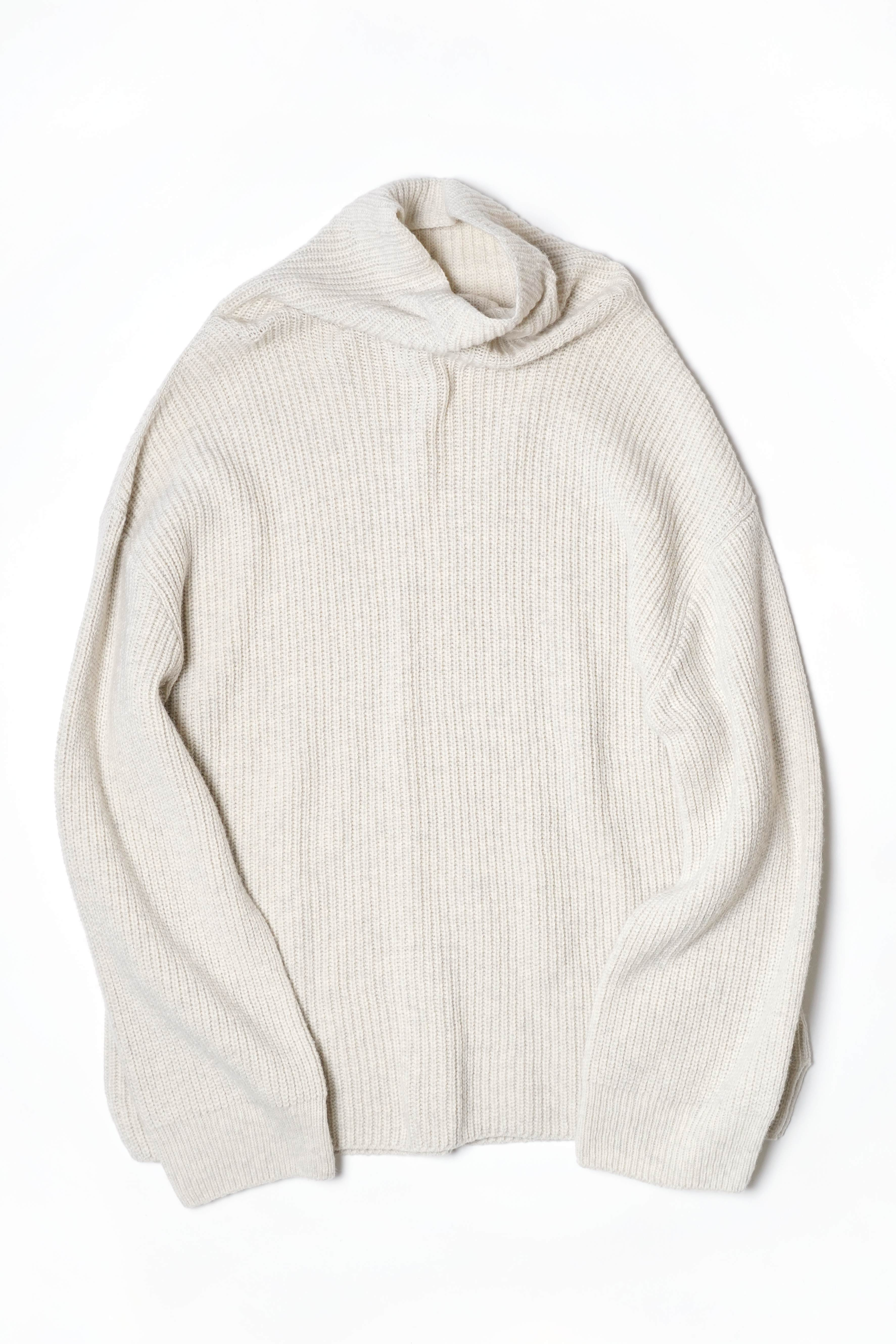 TURTLE NECK KNIT(copy)